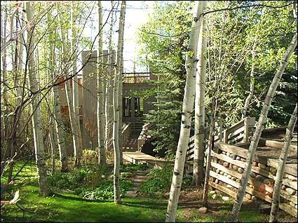Exterior Entry through Aspen Grove - Large 3 Bedroom with Yard - Rooftop Deck (2161) - Snowmass Village - rentals