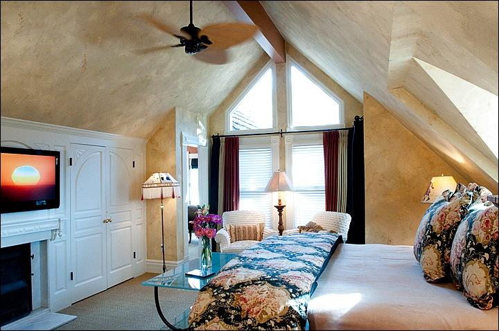 Master Bedroom with views of Ajax from deck - Remodeled Victorian Beauty - Walk to Shops and Dining (2627) - Aspen - rentals