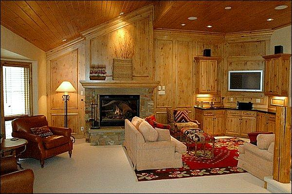 Main Living Area - Located right on Fanny Hill - Views of the slopes (2921) - Snowmass Village - rentals