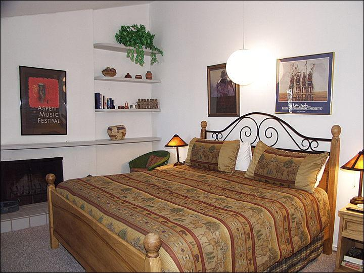 Master Bedroom - Fanny Hill Location - Walk to everything in Snowmass (3147) - Snowmass Village - rentals