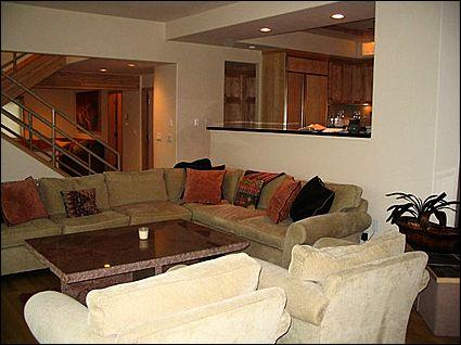 Large, open living room - Golf Course Location - Beautiful Views (5390) - Aspen - rentals