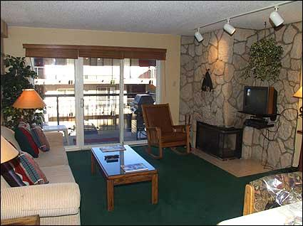 Nicely appointed living room with gas fireplace - Deluxe Snowmass Condo - Ski-in/Ski-out (7084) - Snowmass Village - rentals