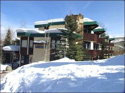 Slopeside Condos - Ski-in/Ski-out - Upper Village close to Mall (7337) - Snowmass Village - rentals