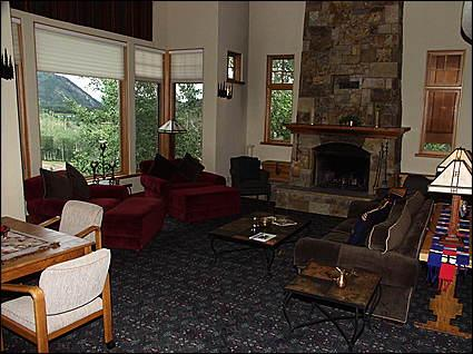 Living Room - Ski-in/Ski-out - Quiet location at end of Cul-de-Sac (9004) - Snowmass Village - rentals