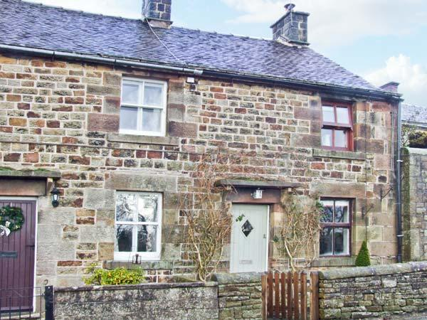 HONEYSUCKLE COTTAGE, charming cottage, patio, close pub and walking in Longnor Ref 19892 - Image 1 - Longnor - rentals