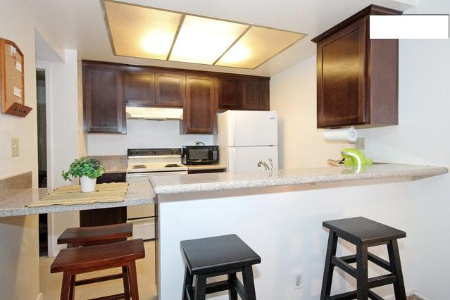 Kitchen/Dining - Cozy Condo in Mission Valley - Close to All! - Pacific Beach - rentals