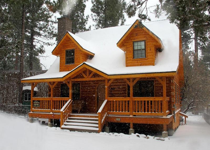 Holiday Cabin ater fresh snowfall! - The Holiday Cabin in Big Bear City,Ca - Big Bear City - rentals