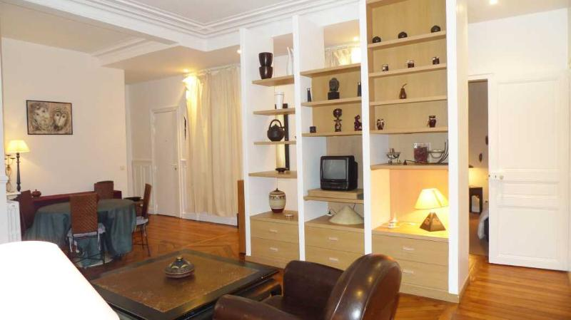 The living room - 910 Two bedrooms   Paris Luxembourg district - Paris - rentals