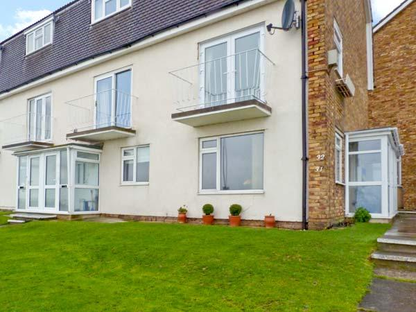 STONE BAY APARTMENT, ground floor accommodation, sea views, close to amenities, in Broadstairs, Ref 21260 - Image 1 - Broadstairs - rentals