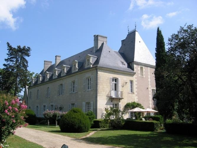 Chateau de Loire + Coach House Chateau rental in Loire valley - Rent this chateau in the Loire with Rentavilla.com - Image 1 - Beaumont-en-Veron - rentals