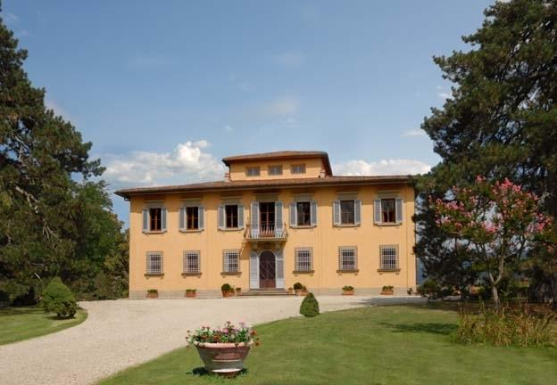 The Hilltop Villa Holiday Villa rental in Vicchio near Florence - Tuscany - Image 1 - Vicchio - rentals