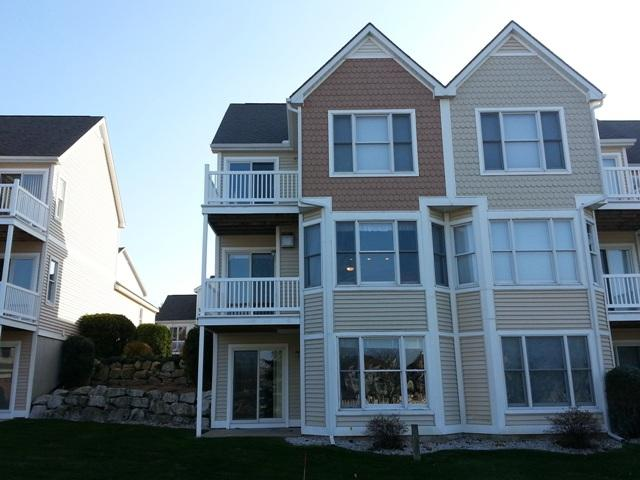 Fabulous 3 story condo - Harbor Village Condo, Beautifully Decorated - Manistee - rentals