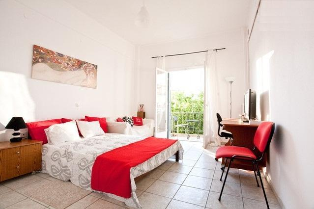 Bedroom - @Metro & beach: Sunny, cosy apartment, City views - Athens - rentals