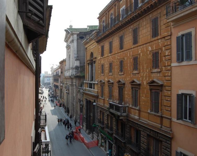 Corso Central Apartment - Image 1 - Rome - rentals