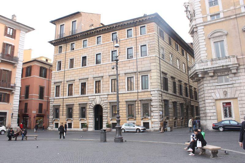 Palazzo Lancellotti Luxury Apartment - Image 1 - Rome - rentals