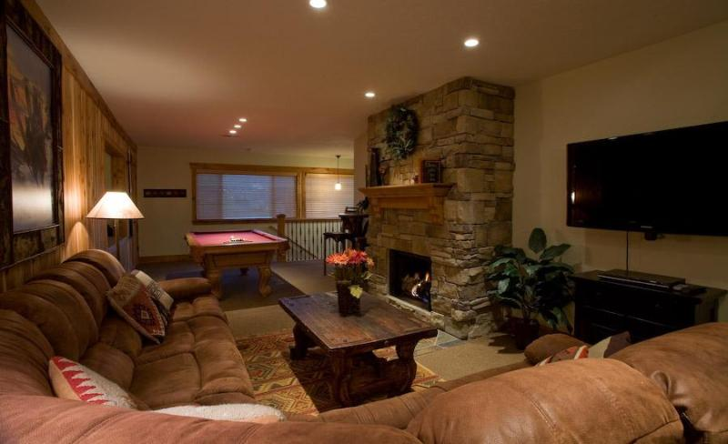 Each living room has a large flat screen TV, fireplace and pool table - 6bd/6bth Penthouse! 2 hot tubs, great location! - Park City - rentals