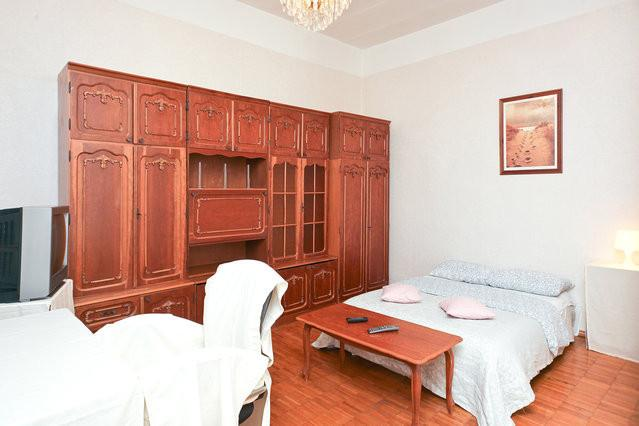Living room - BOGO Apartment in the very heart of Moscow, 1 room - Moscow - rentals