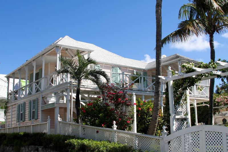 Beautiful historic home built in 1797 - Image 1 - Harbour Island - rentals