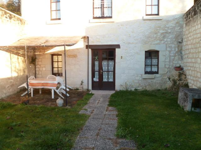 courtyard - LES CATHELINETTES - Chinon - rentals