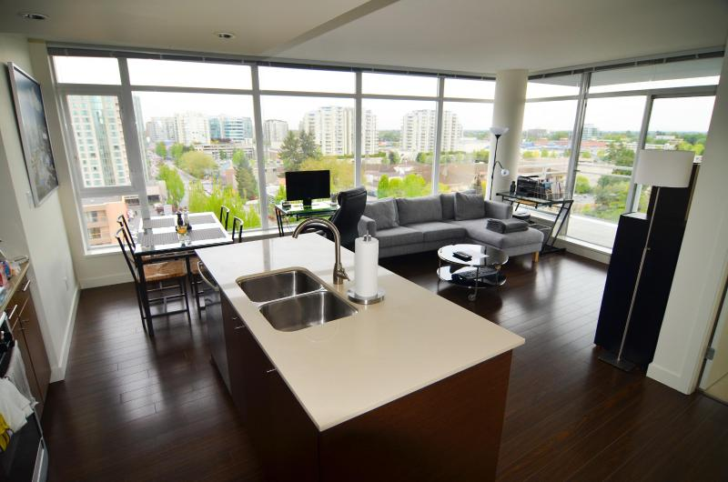 2 Bedroom Apartment Short-term Rental Richmond,BC - Image 1 - Richmond - rentals
