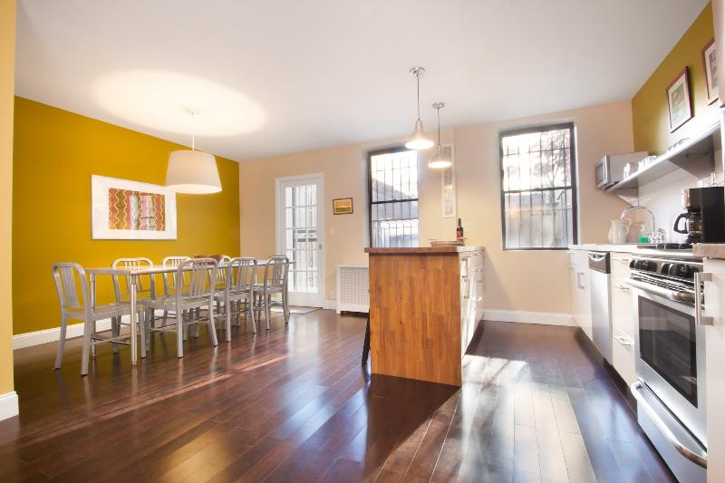 Open Kitchen & Dining Room - City Glam - LEGAL 4 Bedroom for a NYC Experience - New York City - rentals