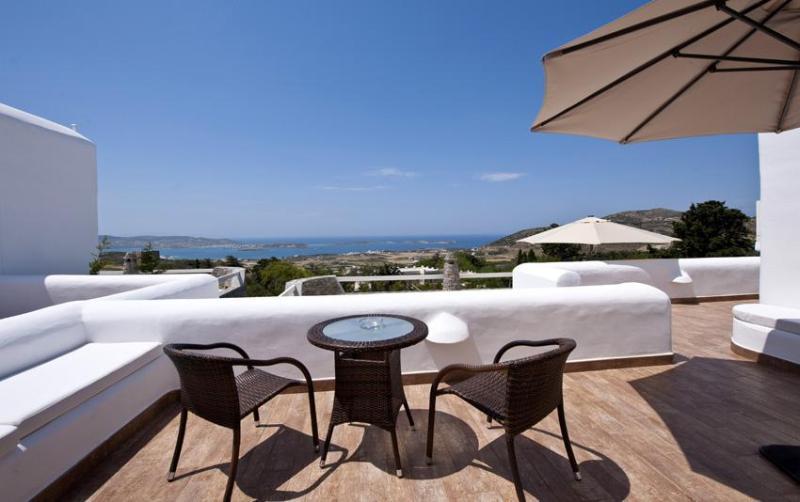 A big private veranda with lounge area - Paros Butterfly Villas 3 with common pool, 1 in Tripadvisor - Parikia - rentals