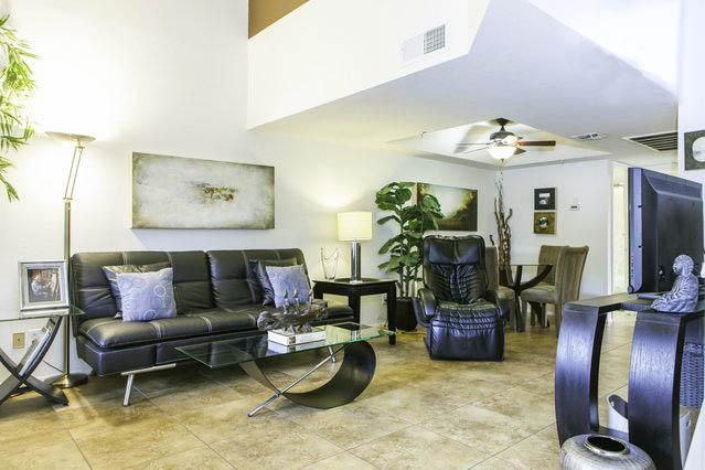 Spacious and comfortable living - Affordable Elegance /w Large Beds, Attached Garage - Scottsdale - rentals