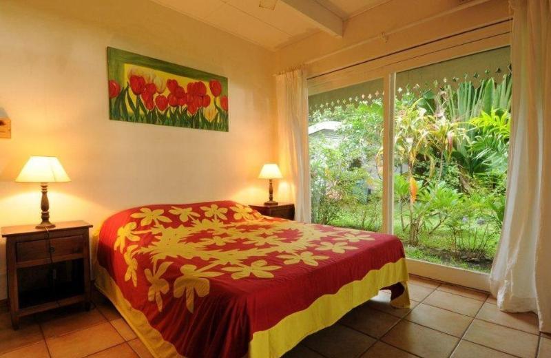 Villa Belle Epoque -TAHITI- beachfront near city - Image 1 - Papeete - rentals