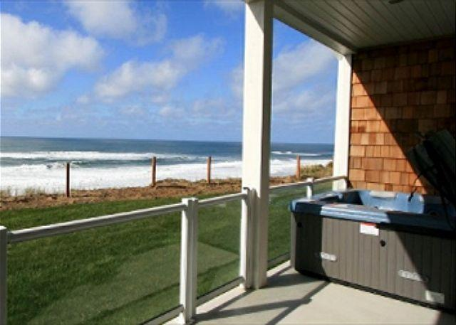 Hot tub with beachview - Whispering Waves -Oceanfront Condo - Lincoln City - rentals