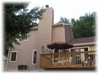 Outside - Spacious 3 Bedroom Next to Pools - Bushkill - rentals