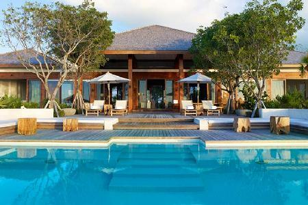 Secluded oasis with pool and private beach, Tamarind Estate with Parrot Cay resort amenities - Image 1 - Parrot Cay - rentals