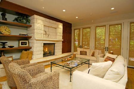 Spacious Obermeyer Place Unit 102 with alpine views, Aspen Club & Spa access - Image 1 - Aspen - rentals