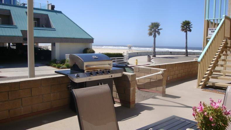 Shared patio with gas BBQ~overlooking the beach! - Oceanfront Condo in Pismo Beach! - Pismo Beach - rentals