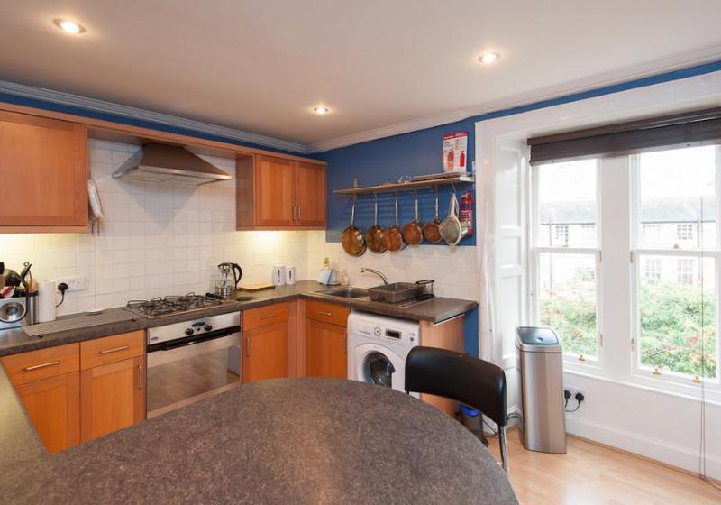 Hart Street City Apartment - Image 1 - Edinburgh - rentals