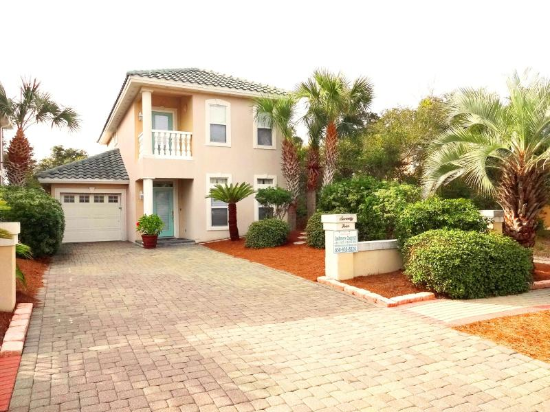 The Cashmere Coconut-Only one block from private beach access with incredible community amenities! - Block to Beach,Private Pool,Community Amenities! - Destin - rentals