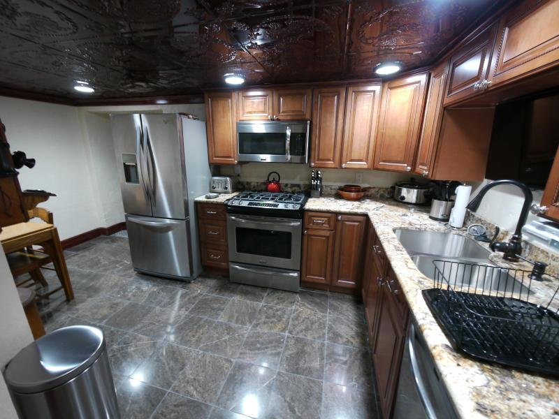 Designer Kitchen - 5 Star Furnished 2 Bedroom Luxury...Pittsburgh PA - Pittsburgh - rentals