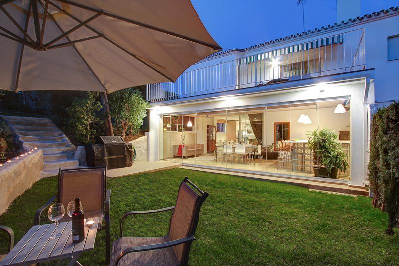 A contemporary family villa - Stylish 4 bdr family villa near beach in Estepona - Estepona - rentals