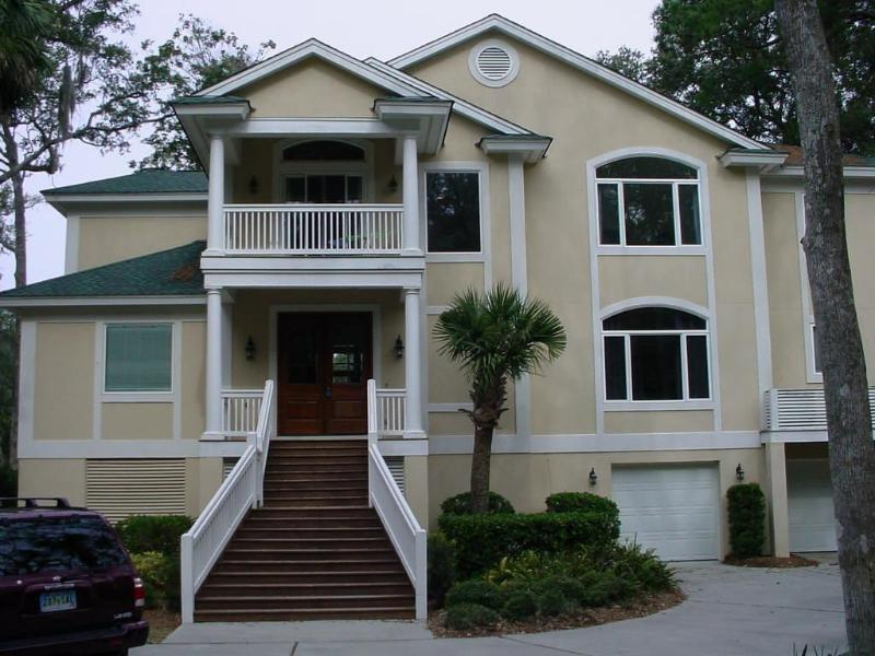 Fabulous Home Near Beach with Pool - Image 1 - Hilton Head - rentals