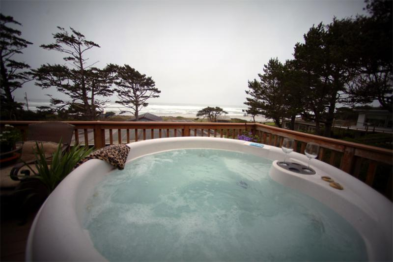 Hot Tub with an Ocean View - Panoramic Ocean View with Large Deck and Hot Tub! - Yachats - rentals