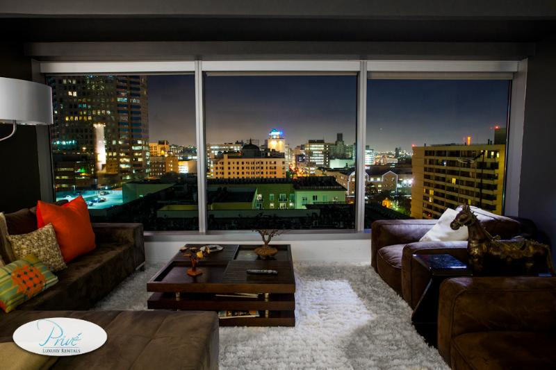 Downtown LA 2 Bedroom Luxury Suite - Image 1 - Los Angeles - rentals