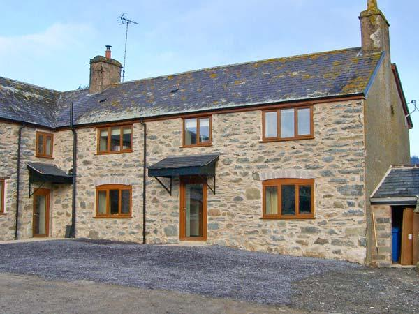 MAES, superb accommodation, en-suite bedroom, woodburner, hot tub, near Ruthin, Ref 20653 - Image 1 - Ruthin - rentals