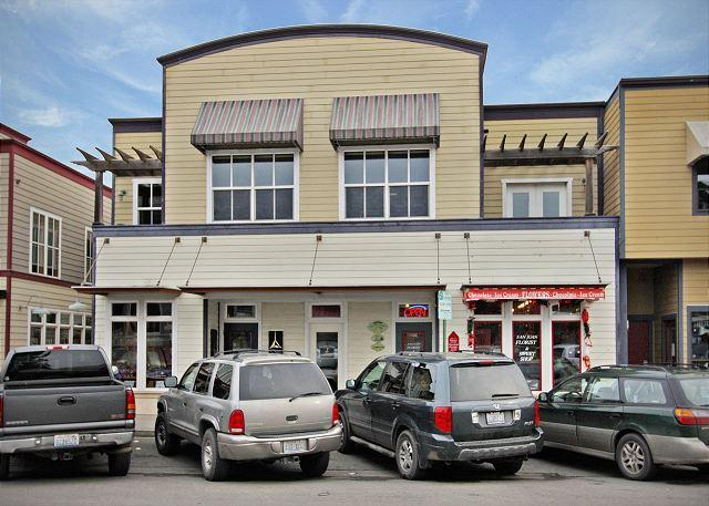 The San Juan Suites are located in the heart of downtown Friday Harbor (2nd story of the building shown) - Pet Friendly Condo in Downtown Friday Harbor! -(San Juan Suites -Valley Farm) - San Juan Island - rentals