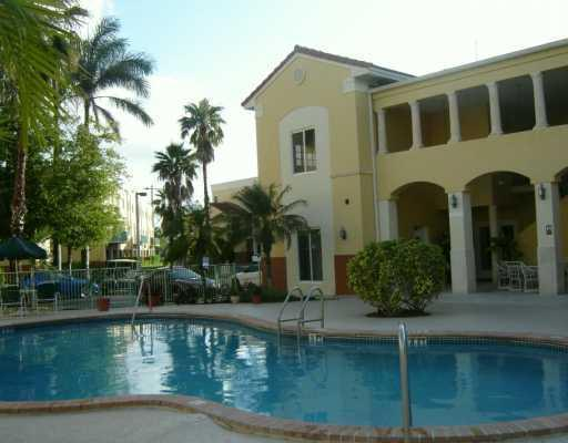 Pool - Stylish Condo in Gated Community - Coconut Grove - rentals