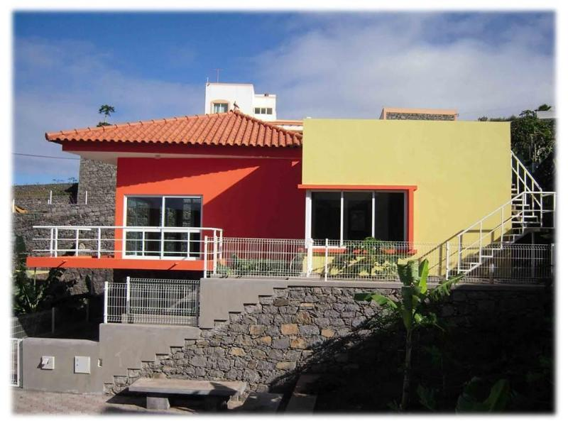 Villa Soleil with private grounds - Modern detached Villa Soleil - panoramic sea views - Ribeira Grande - rentals