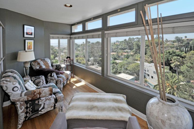 Sunroom and Views - Majestic Views ~ Sunrise to Sunset - Pacific Beach - rentals