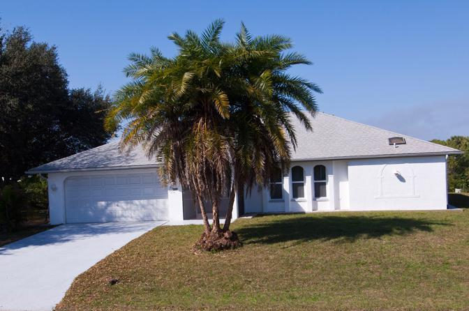 Joseph front view - Joseph -Waterfront Home, 4 sleeps with heated pool - Port Charlotte - rentals