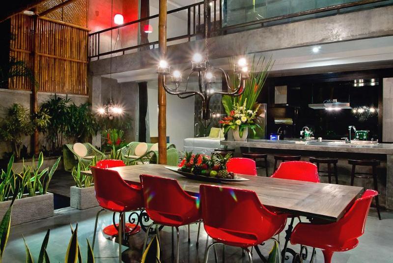 Funky dining area - 4BR-funky retro style Villa in Seminyak - Seminyak - rentals