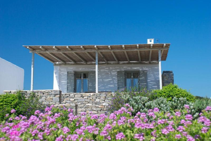 Villa Myrtia exterior - Villa Myrtia - Romantic getaway next to best beach - Paros - rentals