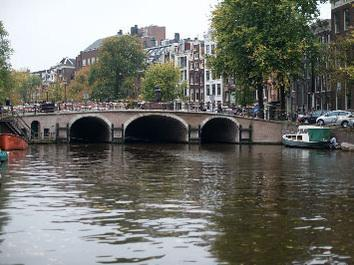 Canal view - Bed & Breakfast Margot - in the historical center - Amsterdam - rentals