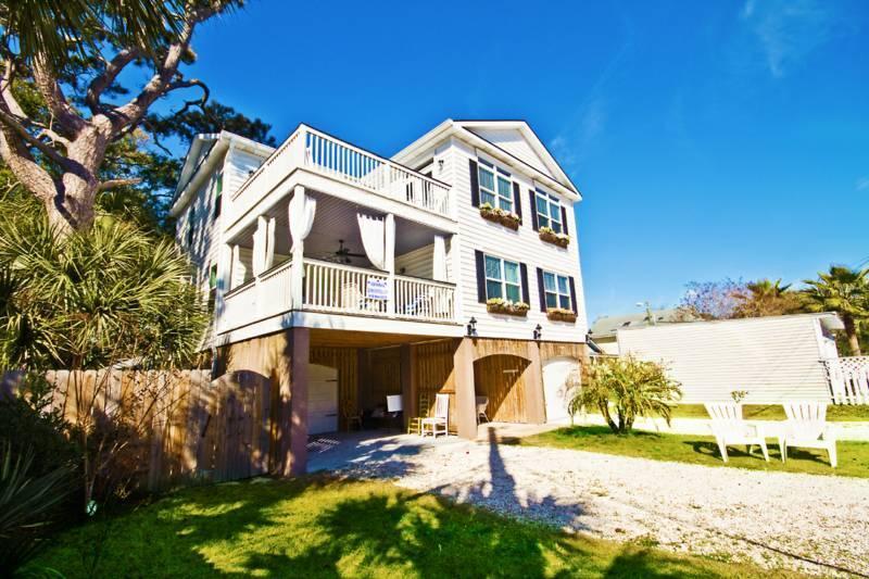 large beach home steps to beach - MILLION $ HOME, Elevator, Pool, Hot tub, sleeps 22 - Tybee Island - rentals